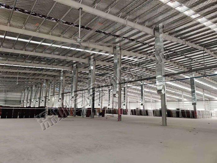 使用大型工业吊扇解决钢结构厂房降温难题的优点有哪些